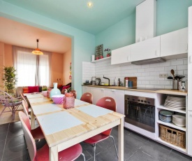 Colourful House with Charming Courtyard near Gent